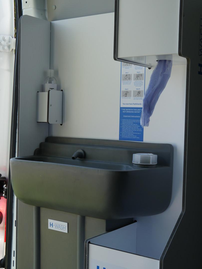 H-WASH45V_Sink&dispensers.JPG