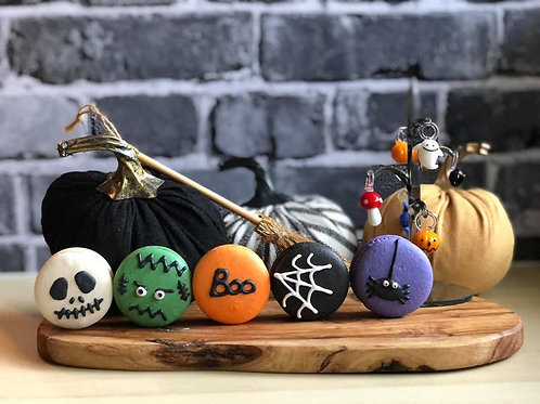Halloween Macarons (Pack of 10)