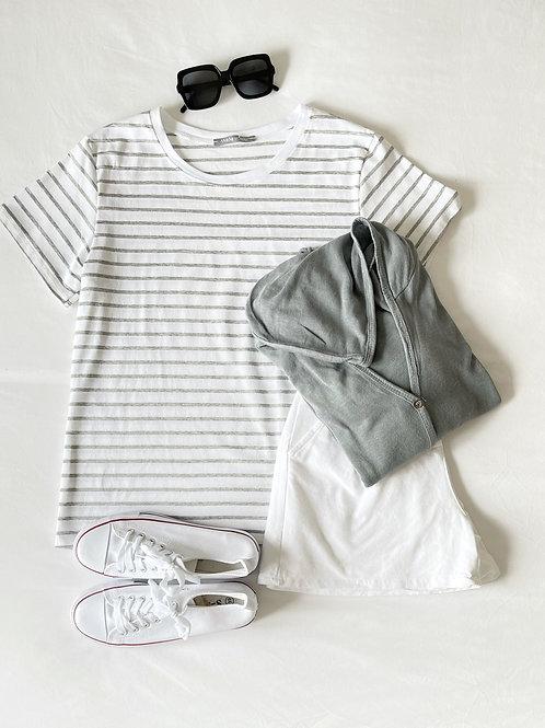 camiseta rayas gris