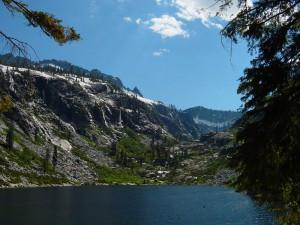 Emerald_lake_trinity_alps