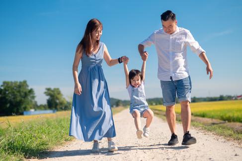 Kent Family Portrait Day 2-0043.jpg
