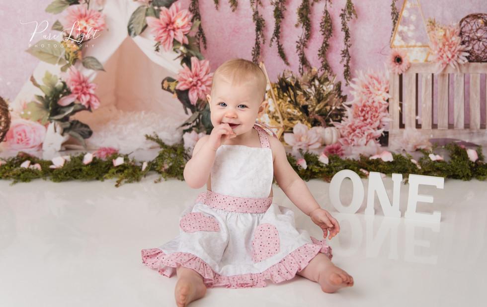 one year cake smash baby girl