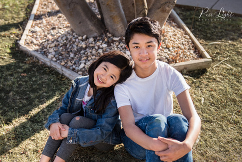 Saskatoon-child-photographer-brother-sis