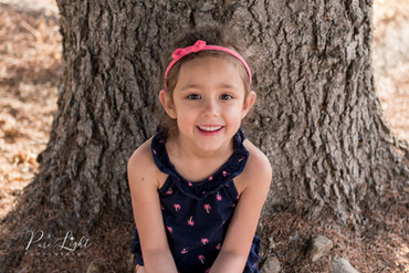 Saskatoon-child-photographer-girl-by-tre