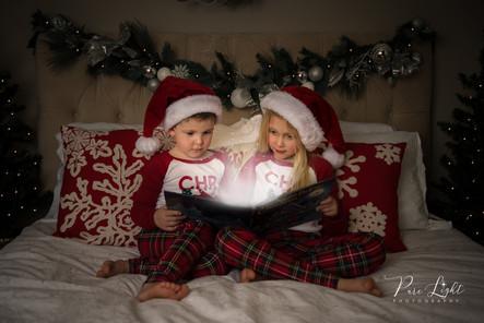 Christmas-pyjamas-magic-book-1.jpg