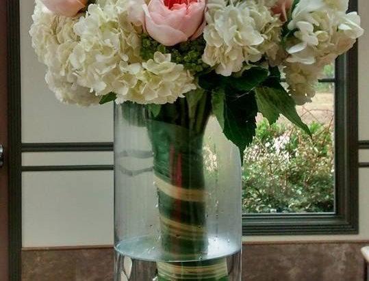 Wedding flowers high floral arrangement.