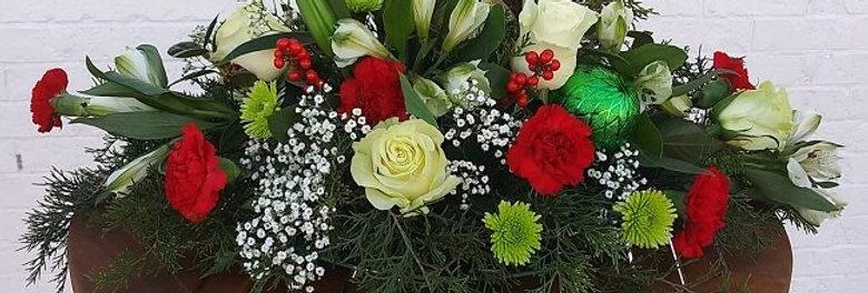 Christamas joy fresh flowers.