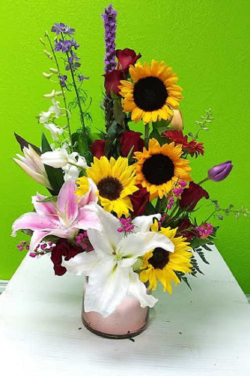 Beautiful design, really beautiful design with roses and sunflowers and more flowers