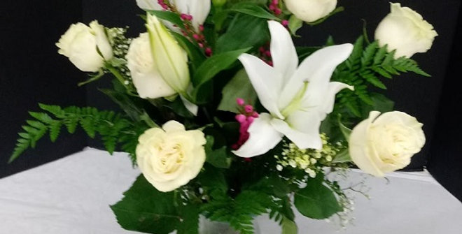 Innocence. Roses and lilies, medium size design