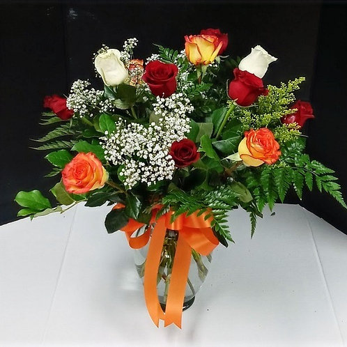 12 Mix Color Roses, beautiful roses arrangement in a crystal vase