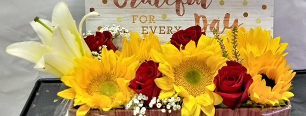 Message and flowers to express love
