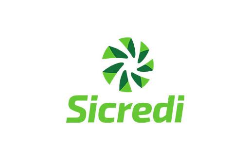 Cooperação Solidária da Sicredi recebe doações de agasalhos e alimentos