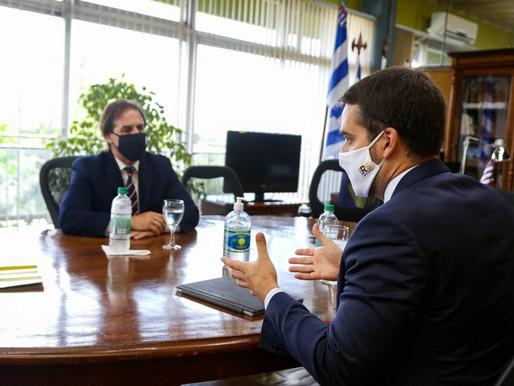 Eduardo Leite e Lacalle Pou discutem ações conjuntas contra a Covid-19