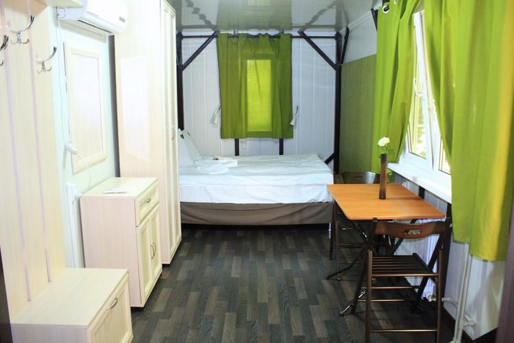 31.номер двухспальн.кровать.jpg