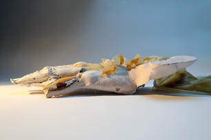 o.T. (crawling sculpture), 2021