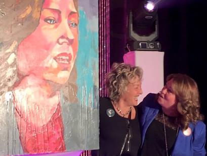 Remise du portrait de Vicky May Hamm (mairesse de Magog)