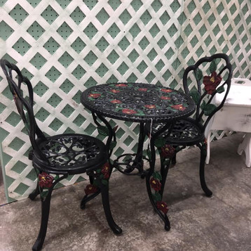 Vintage Iron outdoor table Vintage Mall Florida.jpg