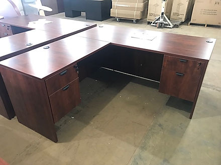L04.6A: Double pedestal desk