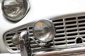 Las luces del coche de la vendimia