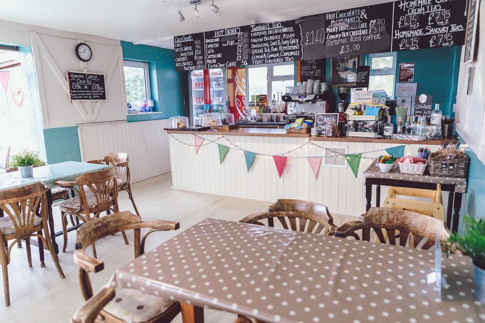 Vineleaf Cafe Small-54.jpg