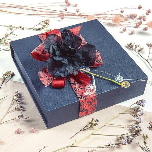 Black Poppy | Geschenkbox mit Pralinen