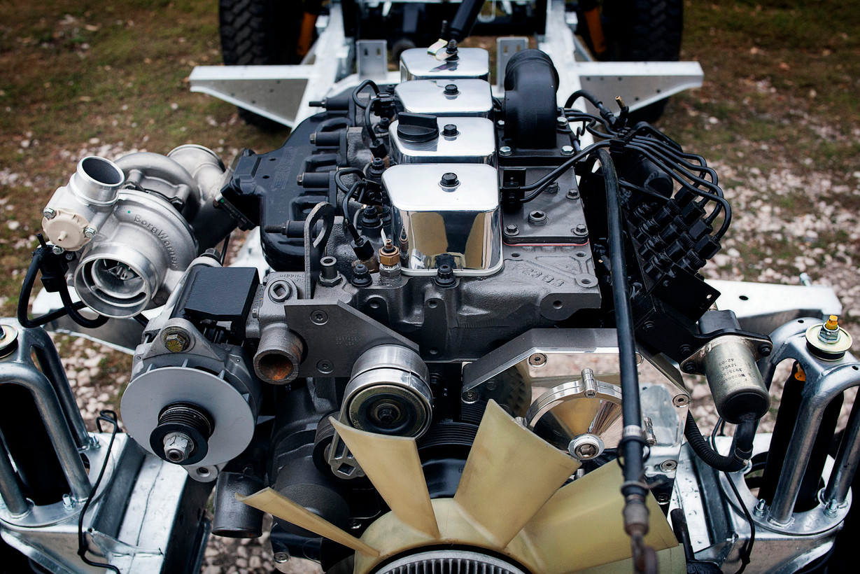 engine on rolling chassis3.jpg