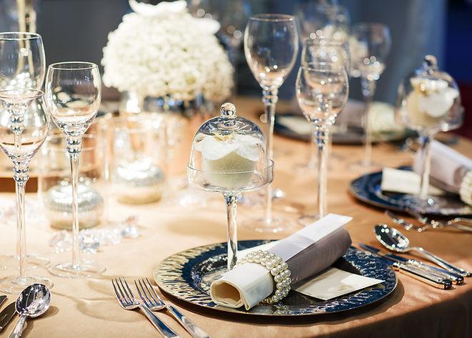 elegant table setting.jpg
