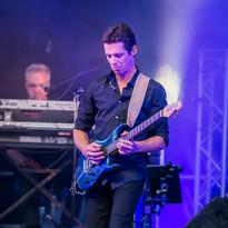 Live Fever - Julien