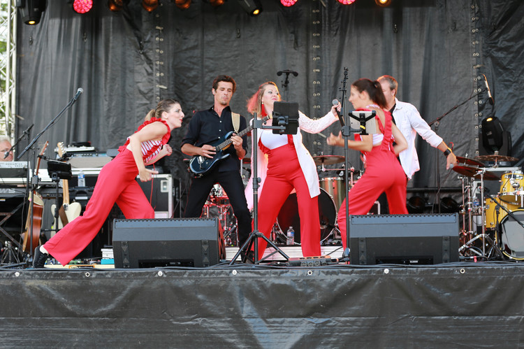 Live Fever en scène