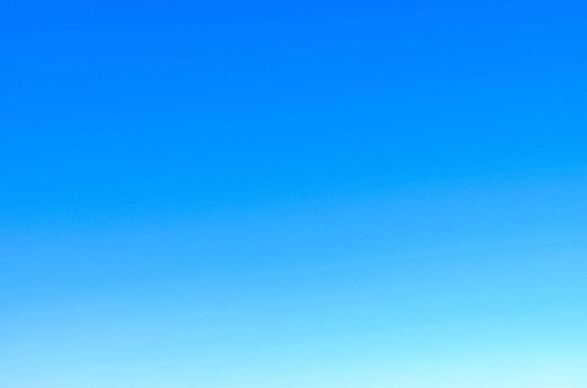 4k-wallpaper-blue-sky-blur-281260.jpg
