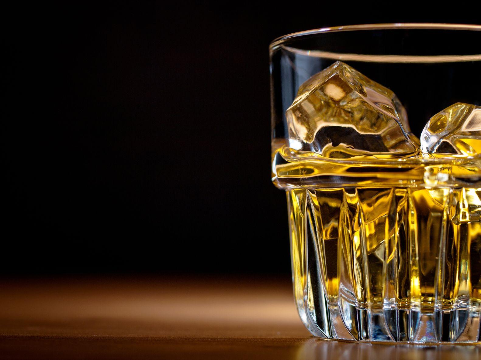 Whiskey rocks glass slide.jpg