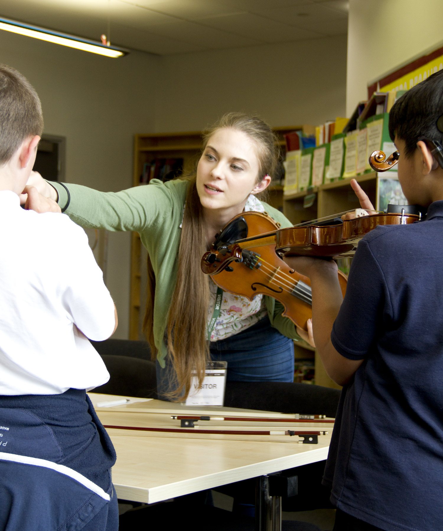Eloise Teaching Violin 04
