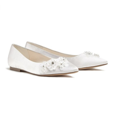 Ivory Flower Detail Pointed Flats