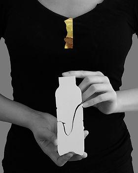 Mending-Small Brooch in Medi Ceramic Pot