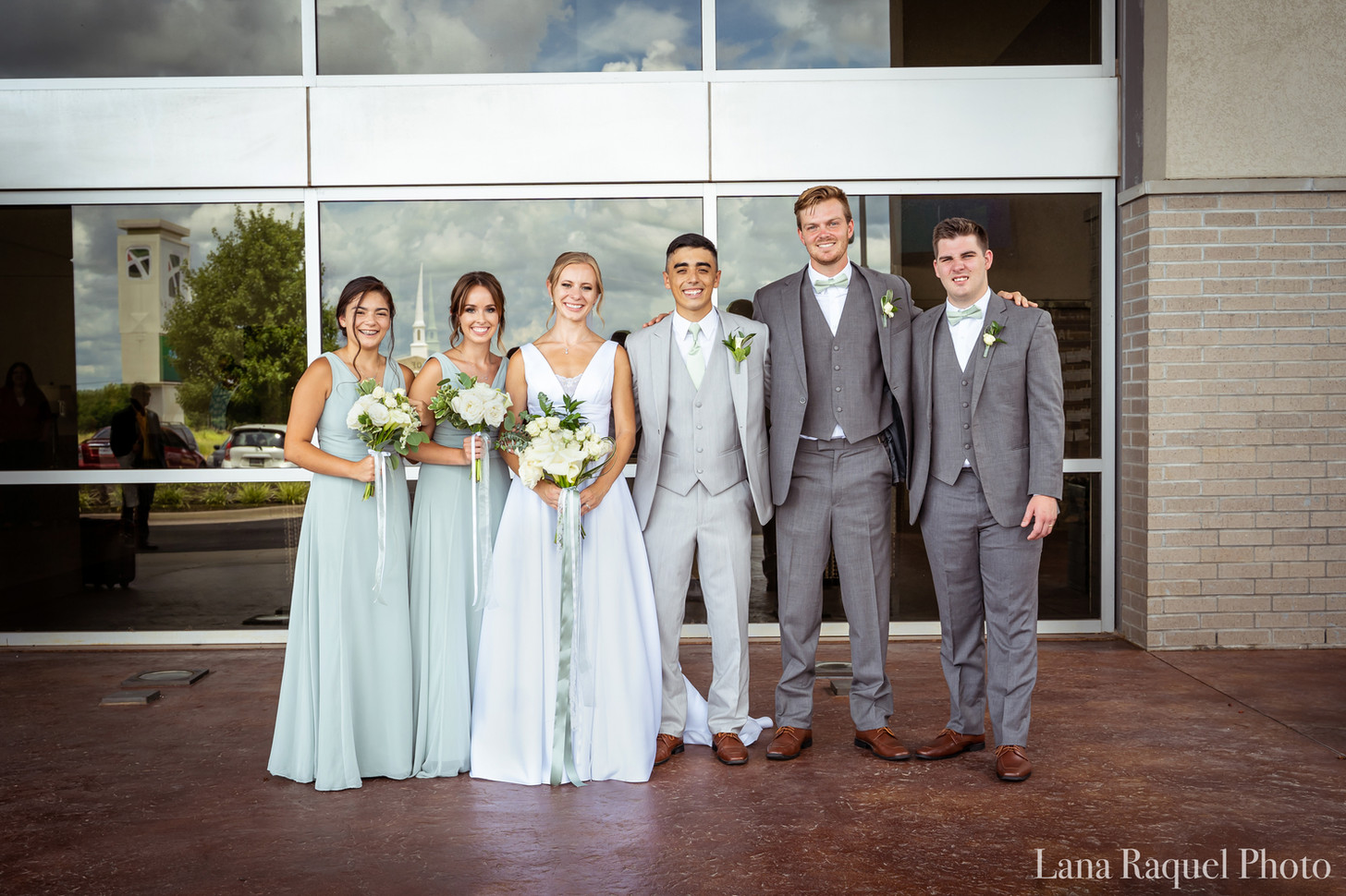 Seafoam-Green-Wedding-Party