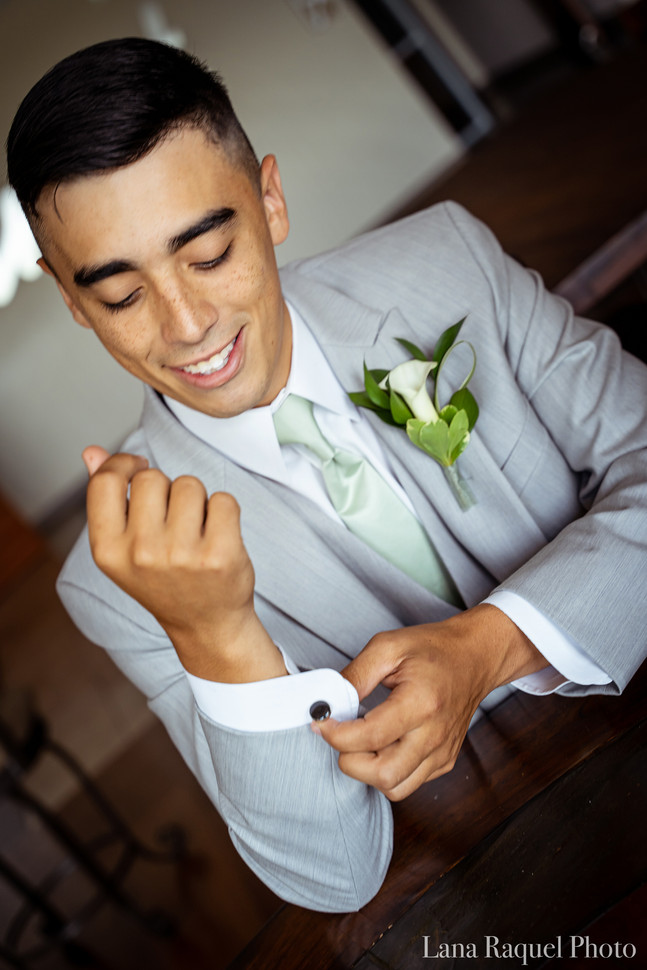 Groom-Adjusts-Cufflinks