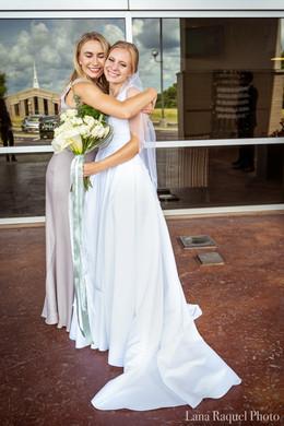 Sister-Hugs-Bride