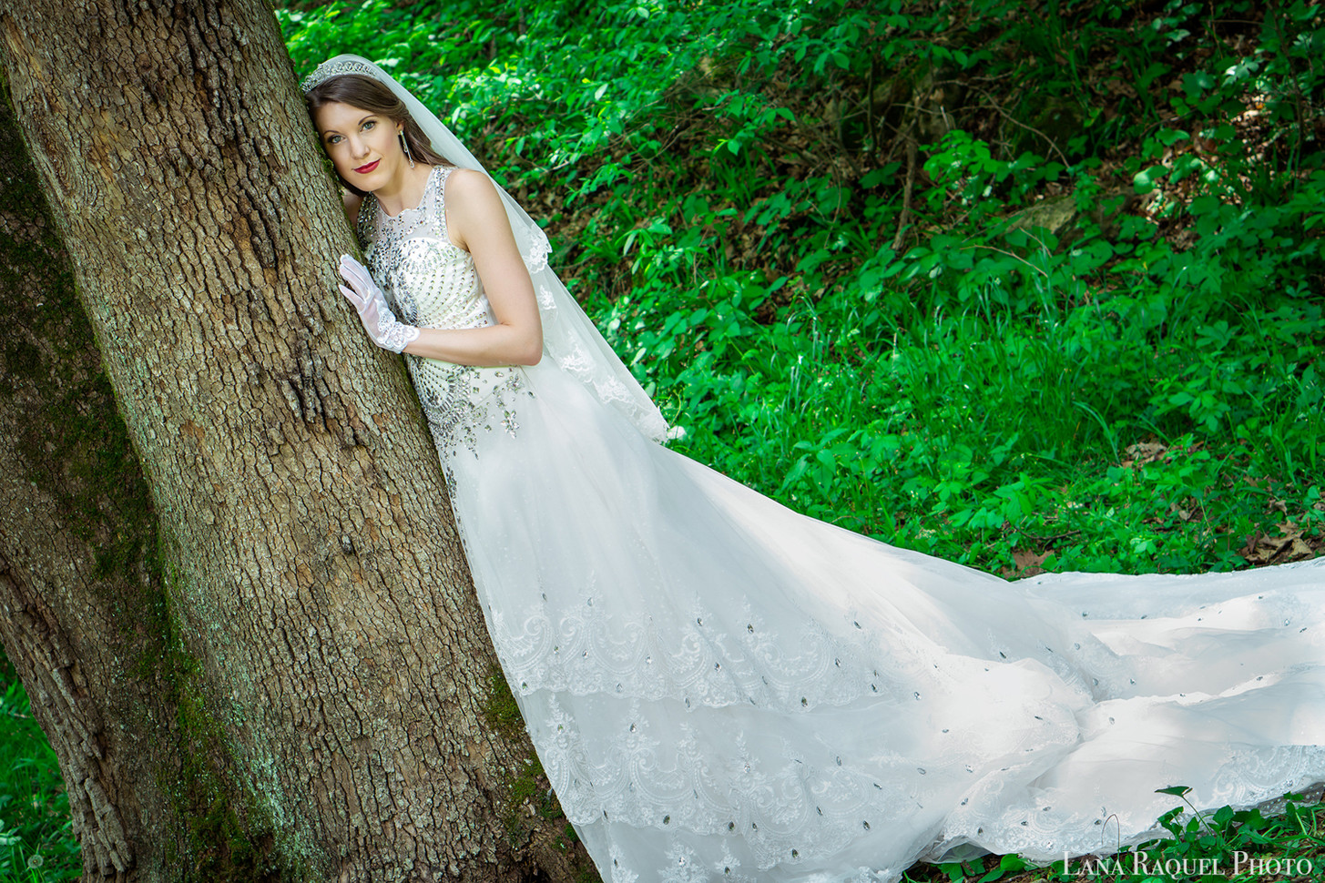 Bride-Hugs-Tree-in-Forest