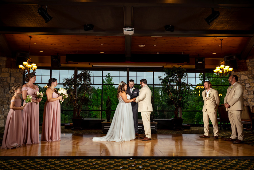 Bride-and-Groom-Say-Vows-at-Golf-CLub