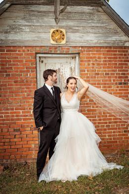 Brides-Veil-Blows-in-Wind