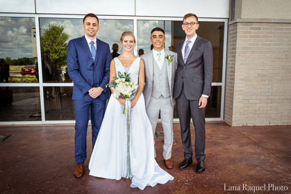 Bride-and-Groom-with-Family
