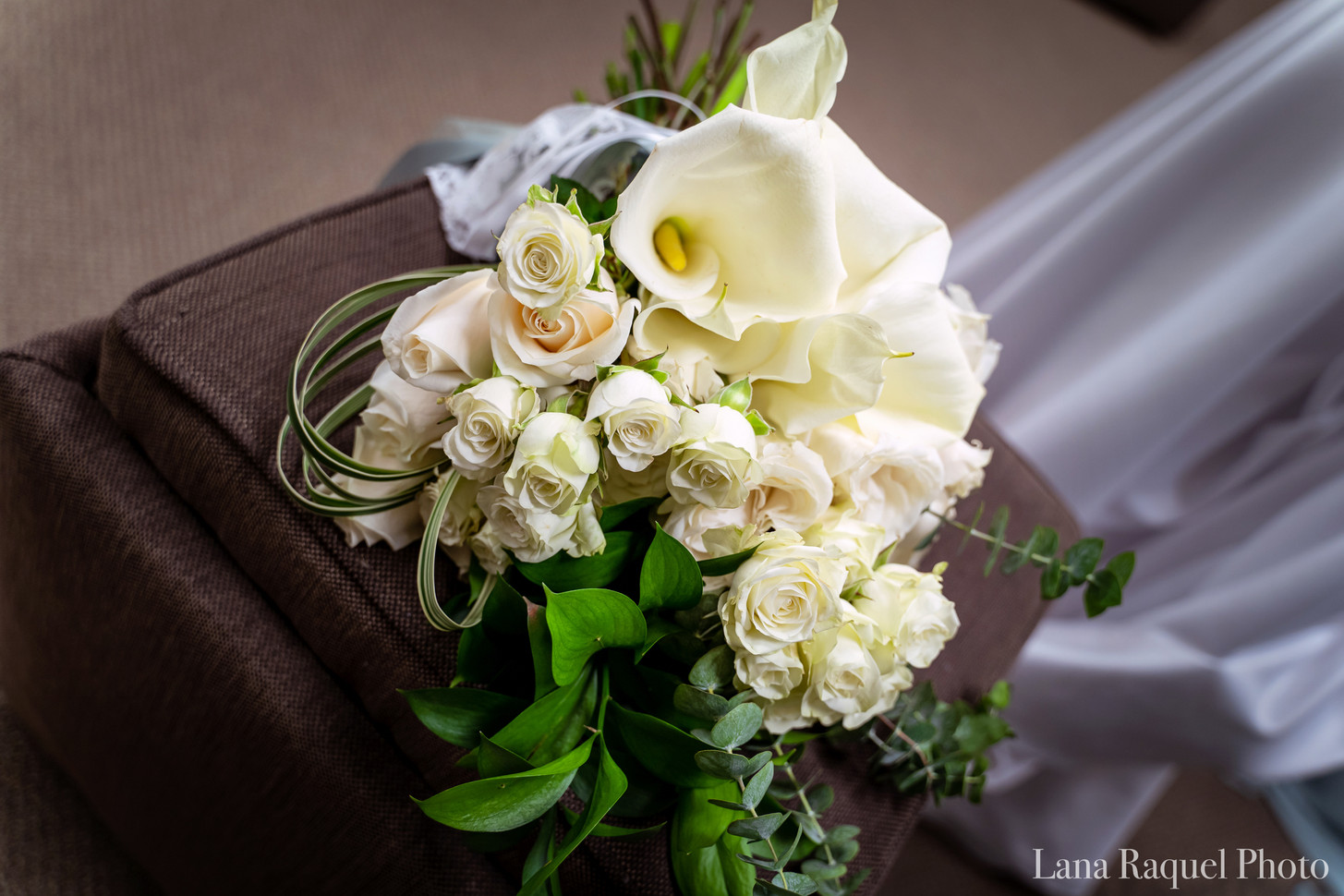 Cream-Bridal-Bouquet