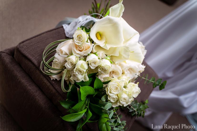 Cream-Bridal-Bouquet