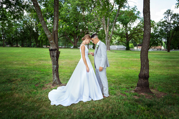 Bride-and-Groom-Forest-Wedding