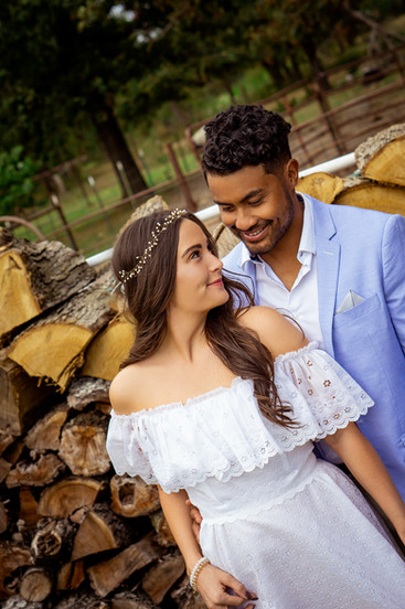Outdoors-Country-Wedding