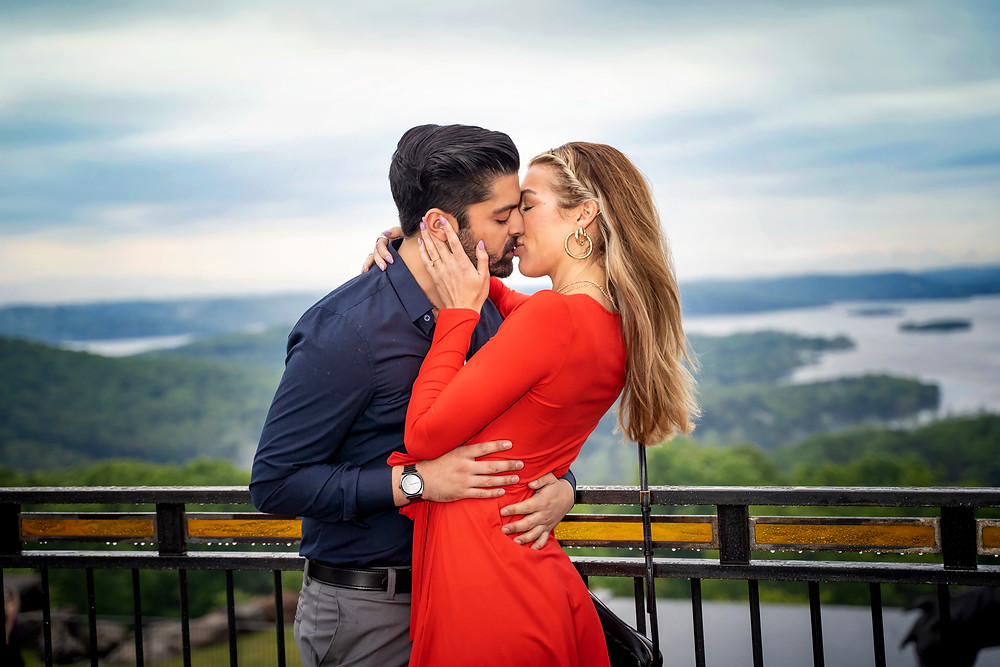Top-of-the-rock-branson-engagement-photography