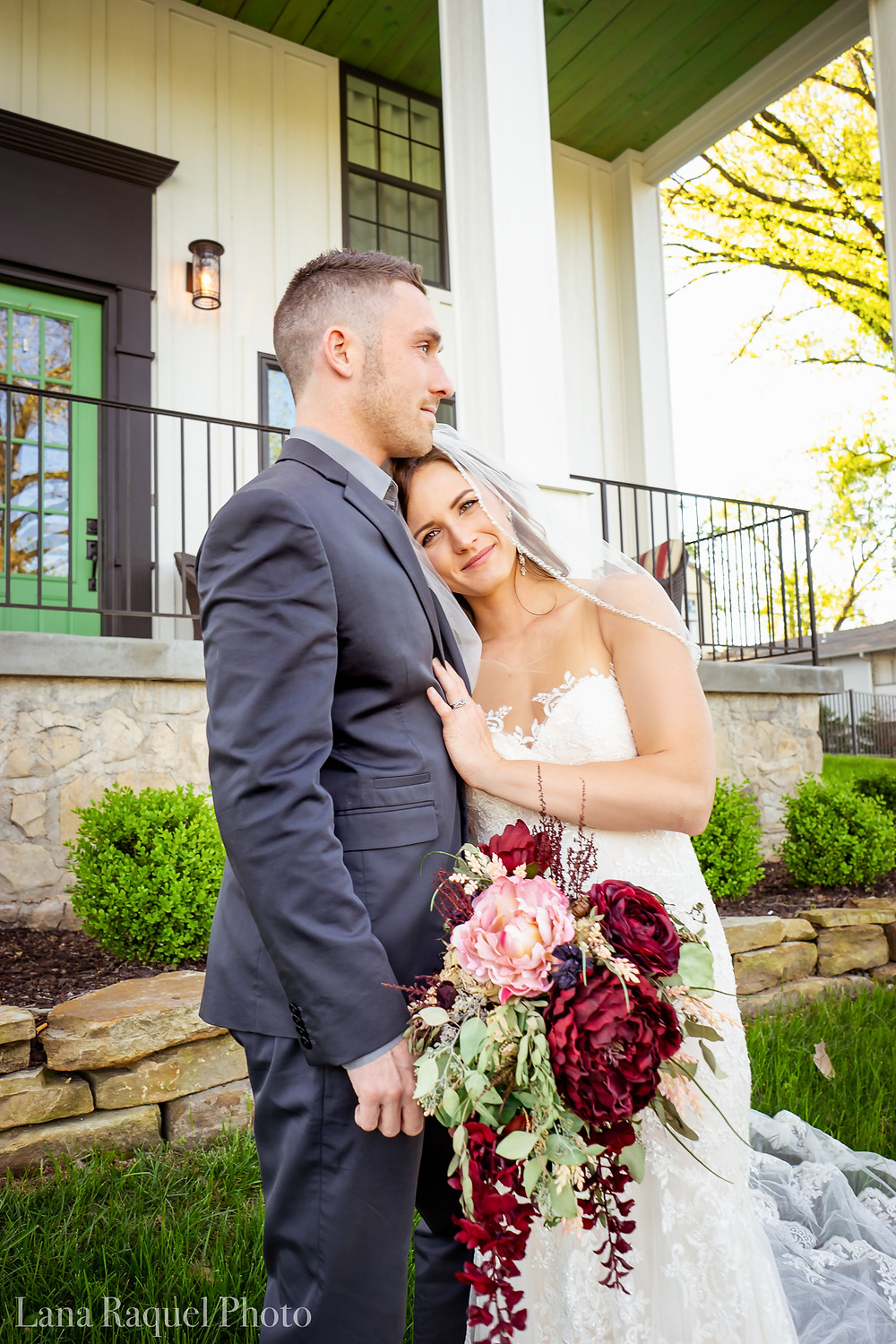 Bride and Groom at Missouri Historic Estate