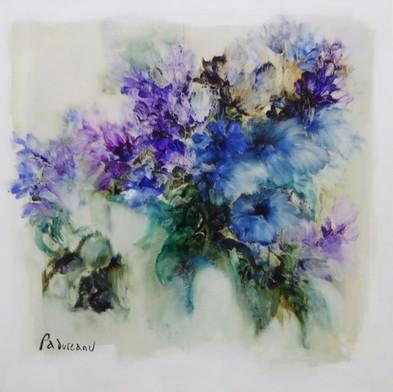 פרחים כחולים sold