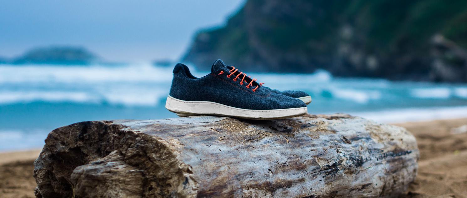 Baabuk Sneaker an spanischem Meer