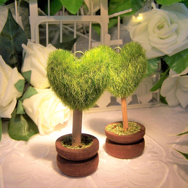 Topiary Wedding Place Name Holders £3.99 each